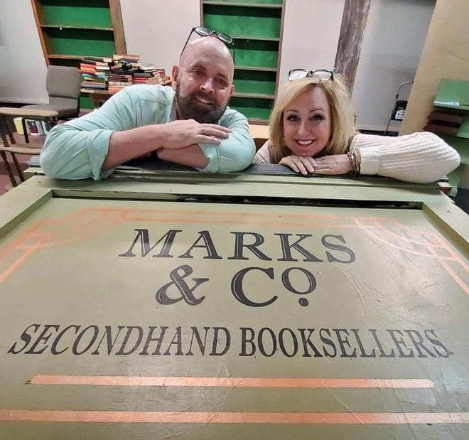 """Scott Page and Kristy Meanor will star in Wetumpka Depot Players' in-person production of """"84 Charing Cross Road."""""""