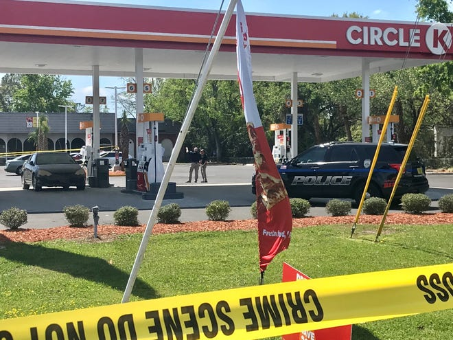 Tallahassee police respond to a shooting at the Circle K, 2849 Apalachee Parkway, on March 23, 2021. An innocent bystander was killed in the shooting and another person was injured.