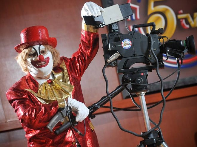 Niko Liko was the host of a long-running children's TV show on Channel 5-XEJ in Juárez, Mexico.