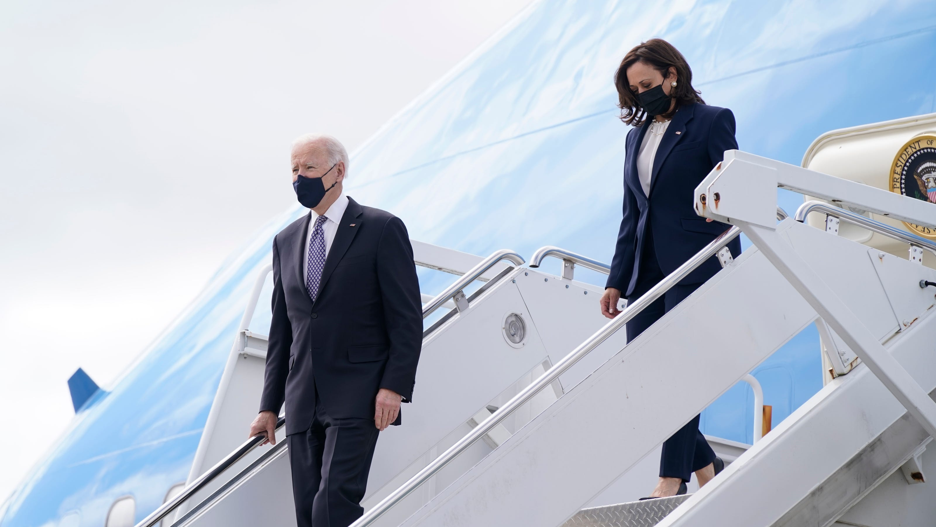www.usatoday.com: Fact check: President Biden and Kamala Harris did not fly aboard Air Force One together