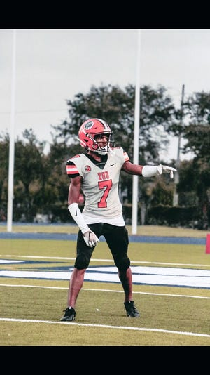 Santana Fleming will play his junior season at American Heritage, the high school of former Bulldogs Sony Michel and Isaiah McKenzie.