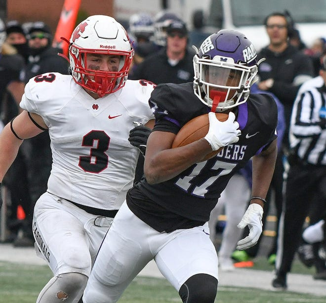 Wayne Ruby Jr. makes a catch for a long gain against North Central (Ill.) during a 2019 playoff game at Mount Union Stadium.