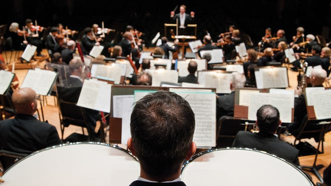 The Jacksonville Symphony is offering free tickets to military and veterans.