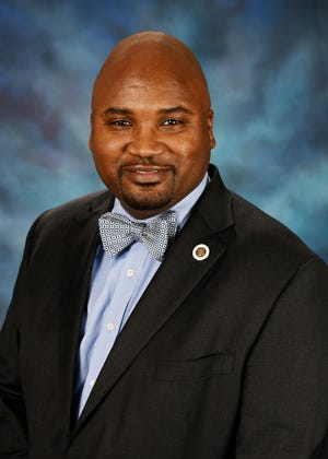 Sen. Elgie Sims Jr., D-Chicago, represents the 17th District in Illinois.
