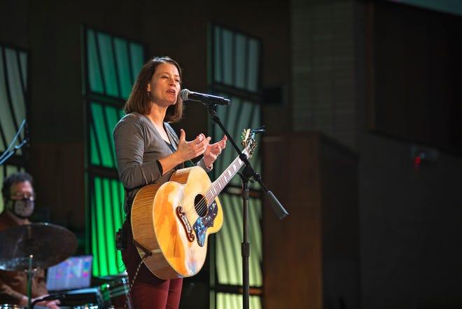 Worship was led by the Charlie Hall Band and OBU alumna Jami Smith King.