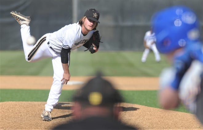 Abilene High starting pitcher Matt Ezzell throws to a Wolfforth Frenship batter in the second inning. Frenship won the District 2-6A game 11-6 on Tuesday, March 23, 2021 at Blackburn Field.