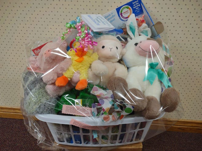 The Ag Week Baby Basket was delivered to Graham Hospital in Canton!