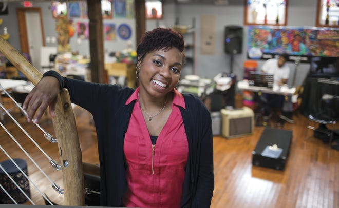 Barbara Fant and the Black Women Rise Poetry Collective, will give their first performance at the Lincoln Theatre on Wednesday. Virtual tickets are available athttps://my.cbusarts.com/1917/1925.