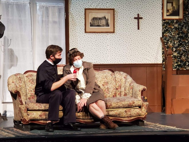 """Marty Jellison and Luann Lancaster appear in """"See How They Run"""" at the Embassy Theatre."""
