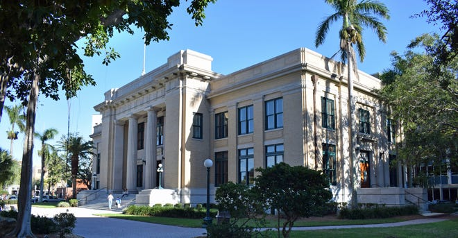 Lee County Courthouse, 1915, 2120 Main St., Fort Myers; Francis. J. Kennard, architect.