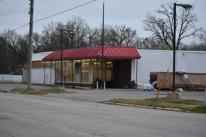 F7 has purchased the former Pratt's Grocery building on Main Street, in Shawnee.