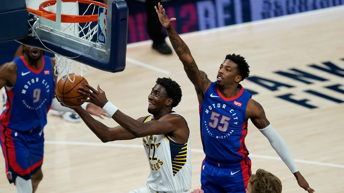 Pistons keep it close but falter late in 116-111 loss to Pacers 2