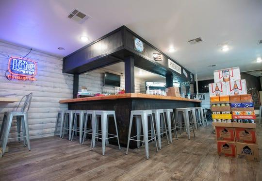 Circa due mesi dopo aver aperto la sua prima sede in Woodbine Road a Pace, l'American Steakhouse di Izaeh prevede di aprire una seconda sede presso l'ex pizzeria italiana Finest sulla North Ninth Avenue a Pensacola.