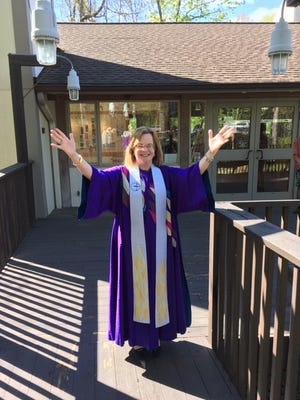 Rev. Debra W. Haffner at Unitarian Universalist Church in Reston, Va., Easter 2019.