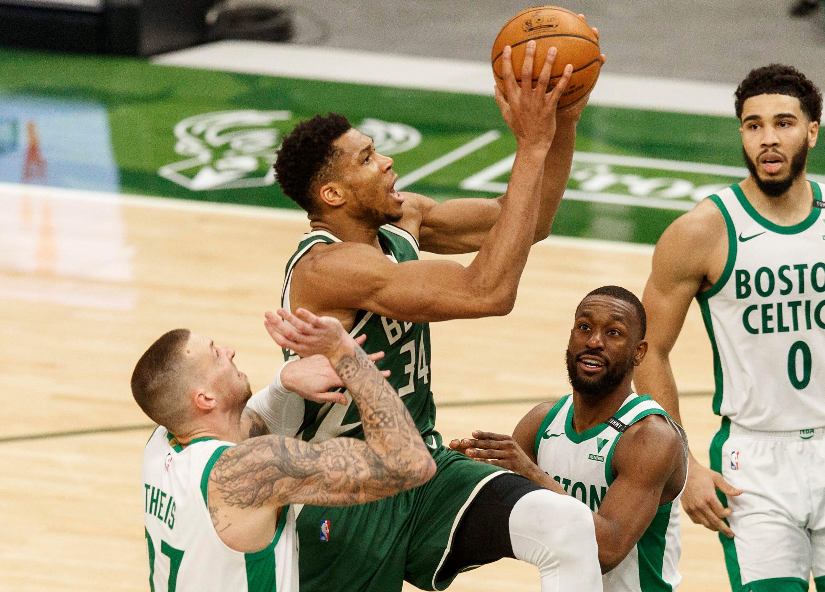 Giannis Antetokounmpo makes charge towards 3rd straight NBA MVP award