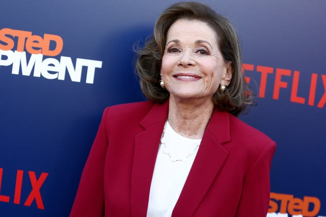 Jessica Walter attends the premiere of Netflix's 'Arrested Development' Season 5 in 2018. The prolific actress died Wednesday in New York City at 80, according to reports.