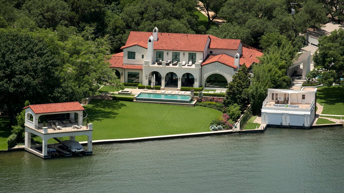 Senate OKs bill allowing Lake Austin property owners to secede from city