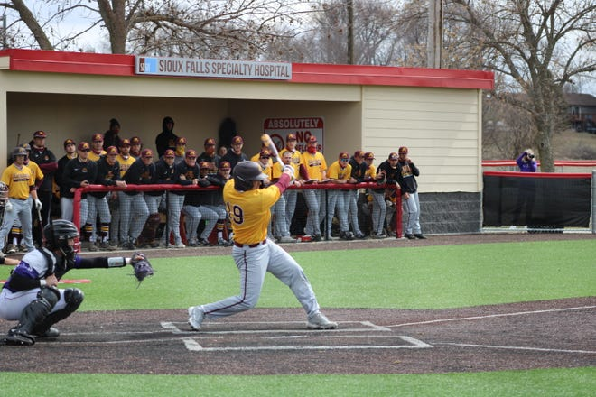 Bobby Chu had two hits in UMC's 15-3 win over Sioux Falls on Thursday.