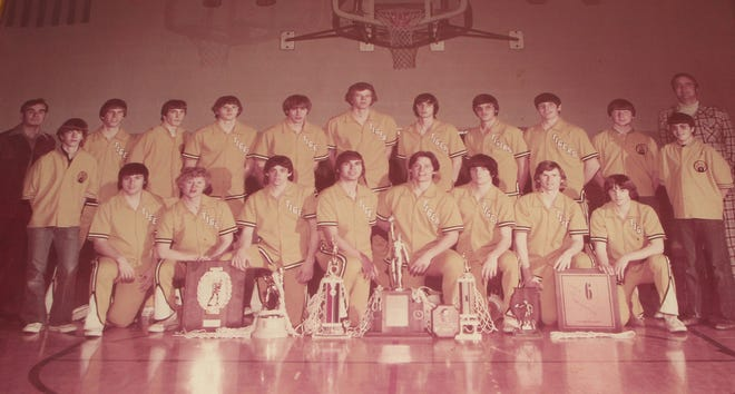 Members of the 1975-76 ROVA boys basketball team included (in front, from left) Tim Pelton, Gordon Olson, Steve Holmes, Mike Shepherd, Bill Lansing, Randy Dooley, Dwight Peterson and Dick Vinson. In back are, from left, head coach Bob Meredith, manager Dan Robson, Roger Saline, Steve Johnson, John Bloss, Dan Erickson, Dave Johnson, Rick Cottom, Terry Fisher, Mike Collins, manager David Erickson, manager Dave Moody and assistant coach Vinton Pease.