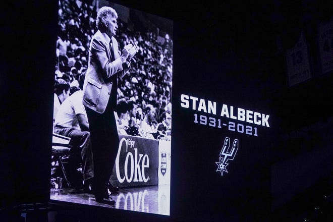 The San Antonio Spurs observed a moment of silence honoring Stan Albeck before the game against the Los Angeles Clippers at the AT&T Center on March 25, 2021.