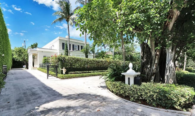Known as Twin Banyans, a landmarked house designed in 1934 at 241 Banyan Road in Palm Beach has sold for a recorded $9.785 million.
