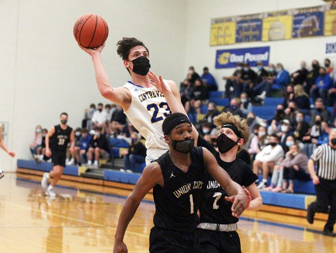 Tyler Swanwick of Centreville puts up a shot for two points against Union City in district play on Thursday.
