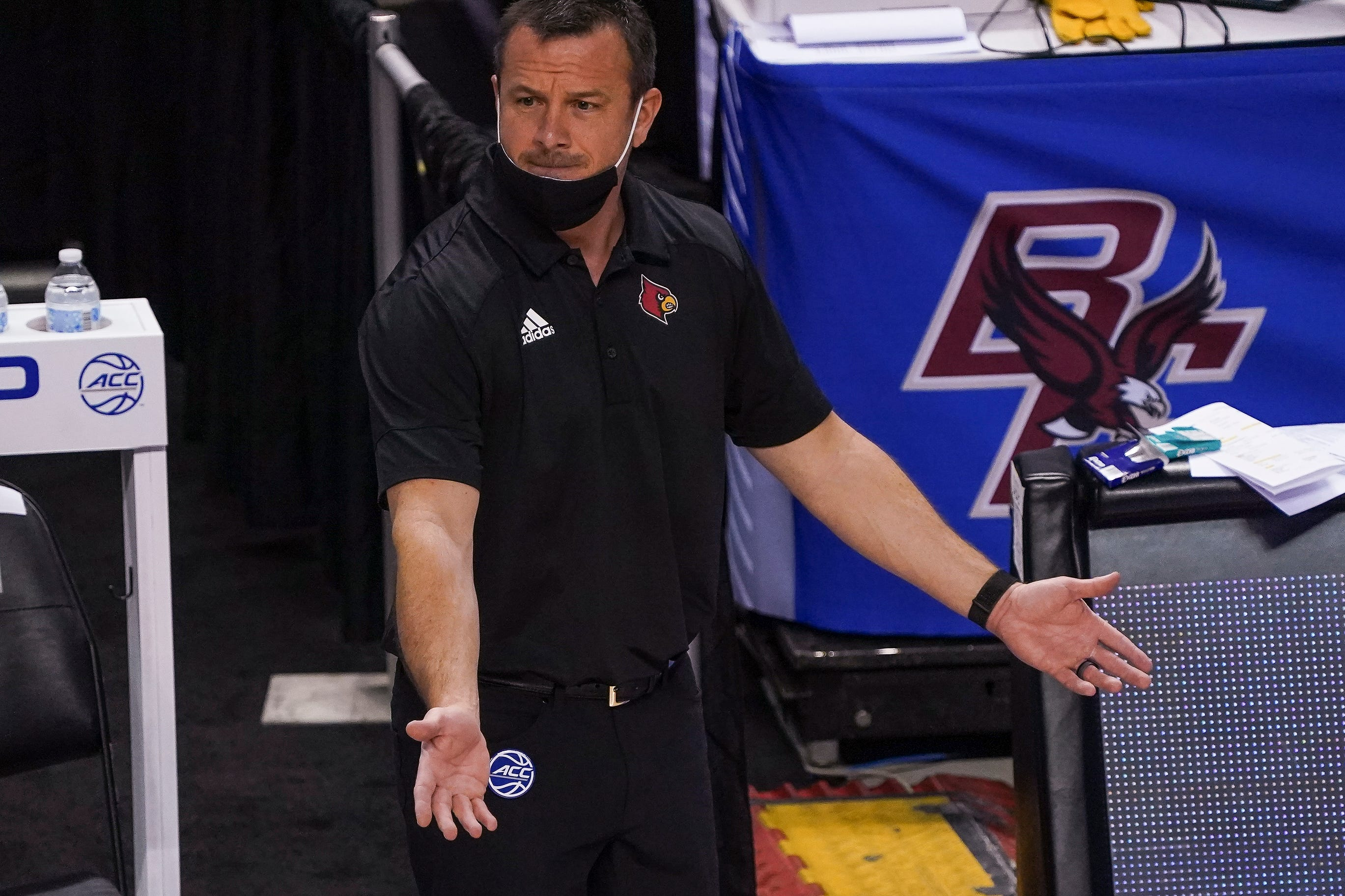 NCAA clears up issue of outdoor walks after Louisville women s basketball coach raises question