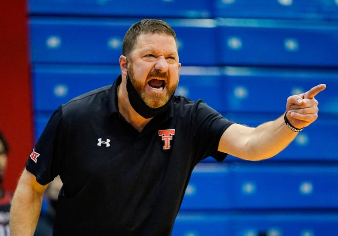 Speculation has run rampant about whether Texas Tech coach Chris Beard would leave Lubbock for the Texas job should it come open. Tech fans are about to find out now that Shaka Smart has left UT for Marquette.