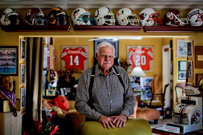 Howard Schnellenberger, pictured at his home in Boynton Beach, Fla., on Nov. 29, 2017, died Saturday at age 87. Schnellenberger, who built football programs at Miami, Louisville and Florida Atlantic, spent one season as OU's head coach.