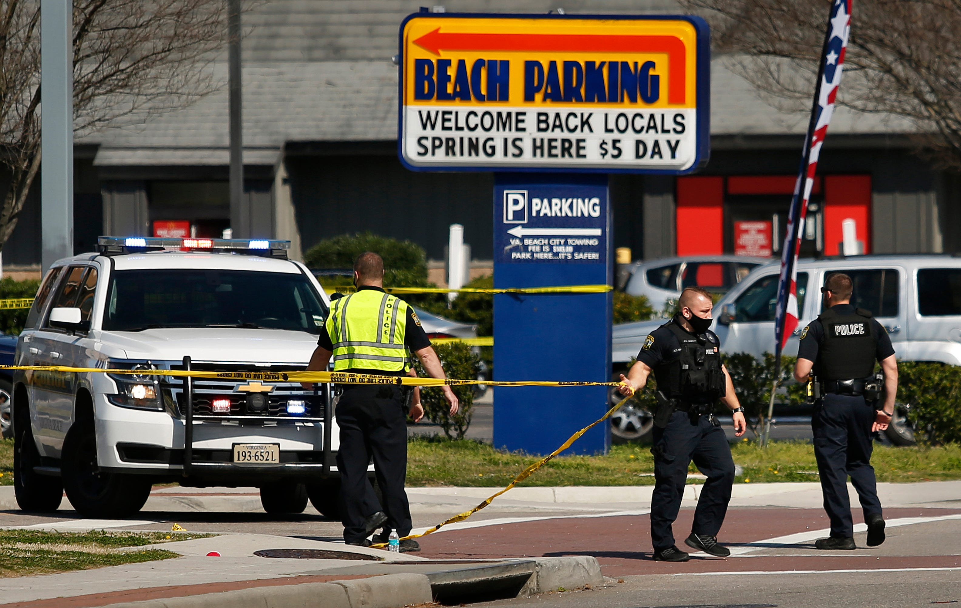 Police: 2 dead, 8 wounded in Virginia Beach oceanfront shootings 1