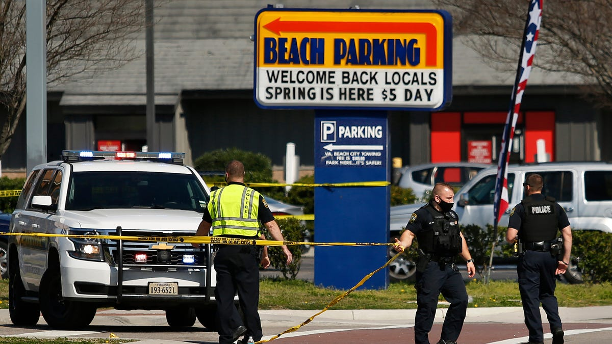 Police: 2 dead, 8 wounded in Virginia Beach oceanfront shootings 2