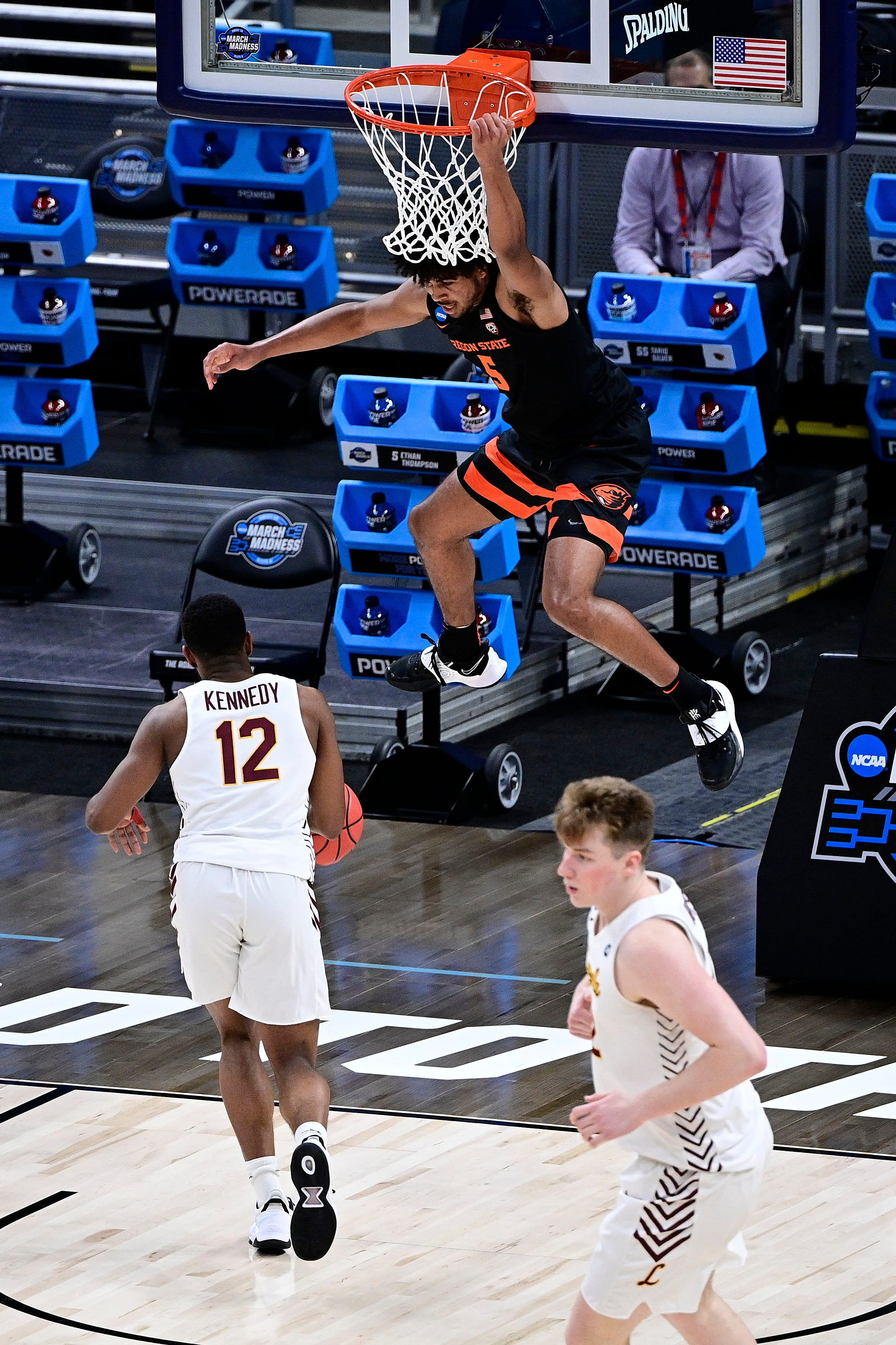 Elite Eight or sent packing: Winners and losers from the men s NCAA Tournament Sweet 16