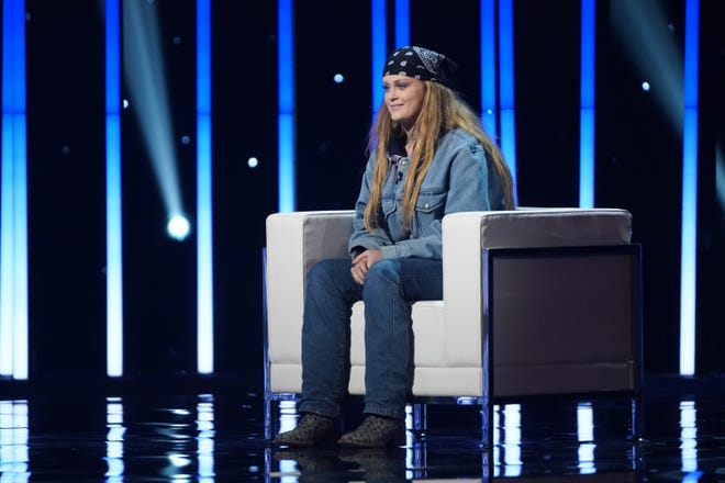 "Hannah Everhart, 17, made a splash in past ""American Idol"" episodes for her uncanny resemblance to Katy Perry and a memorable duet with Claudia Conway."