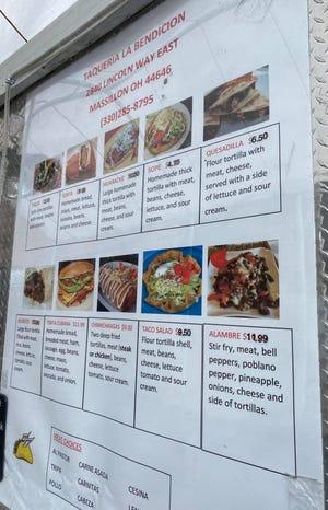 Louis Esquivel, operador del food truck de Tacveria La Bendisian, se especializa en platos que aprendió a cocinar en su México natal.