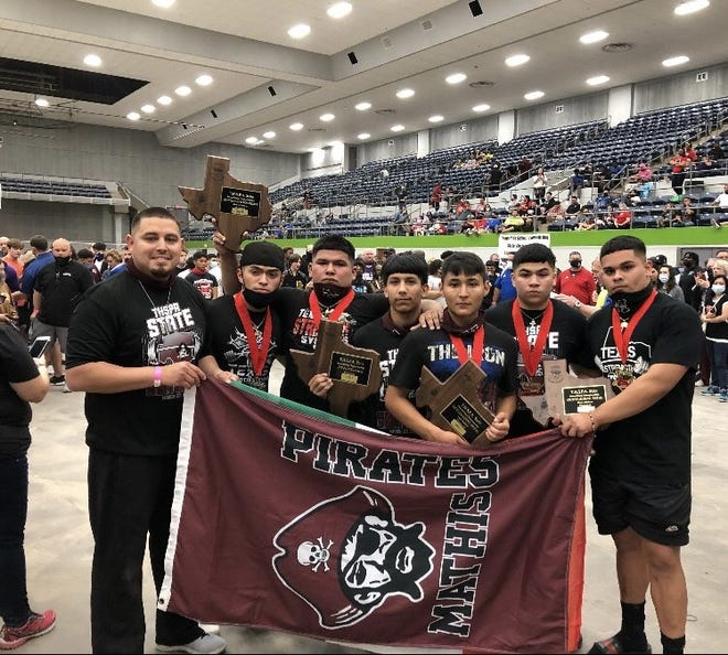 The Mathis boys powerlifting team won the team title at the Class 4A Texas High School Men's Powerlifting meet in Abilene.