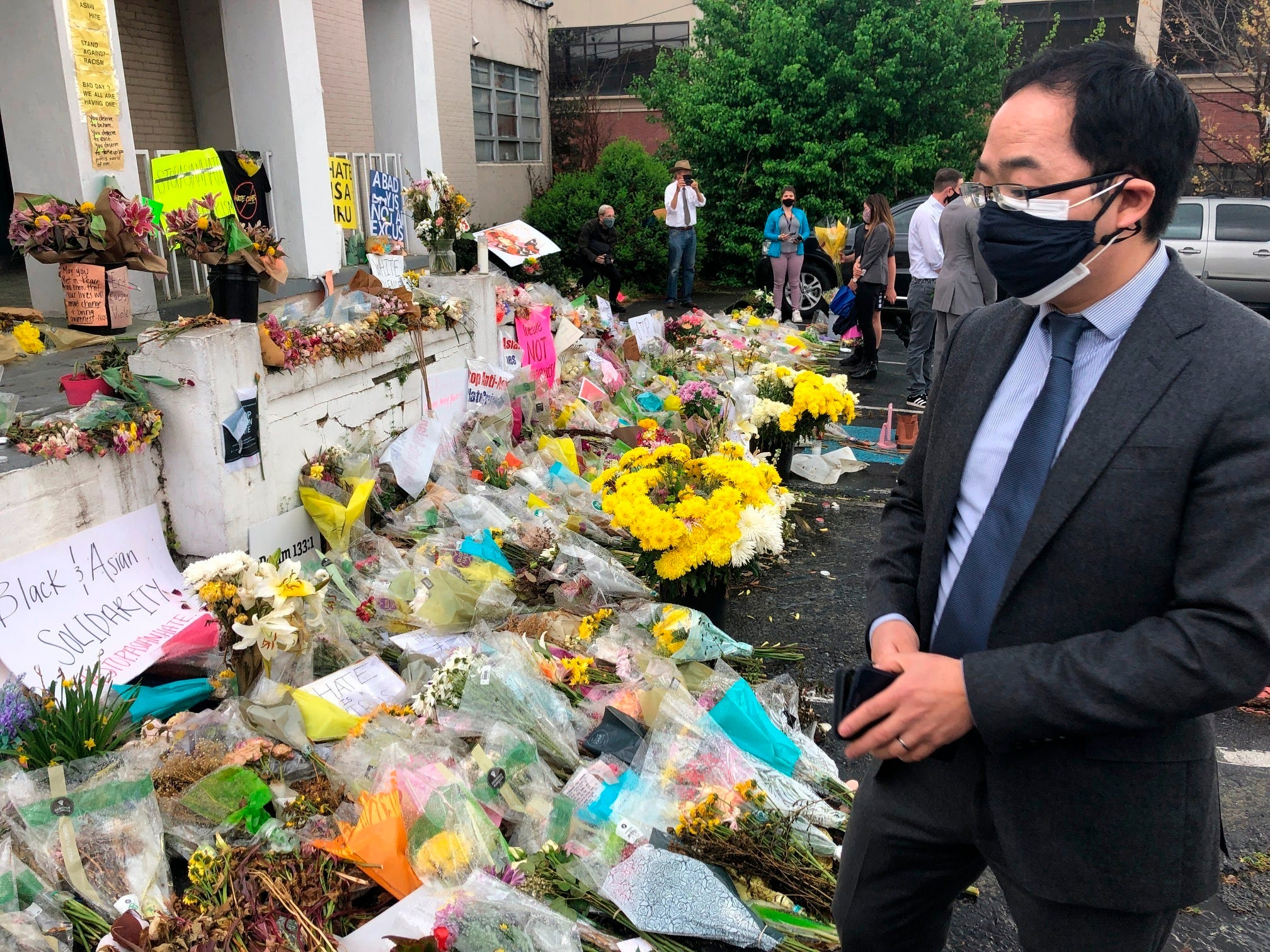 US lawmakers decry violence against Asians in Georgia visit 1