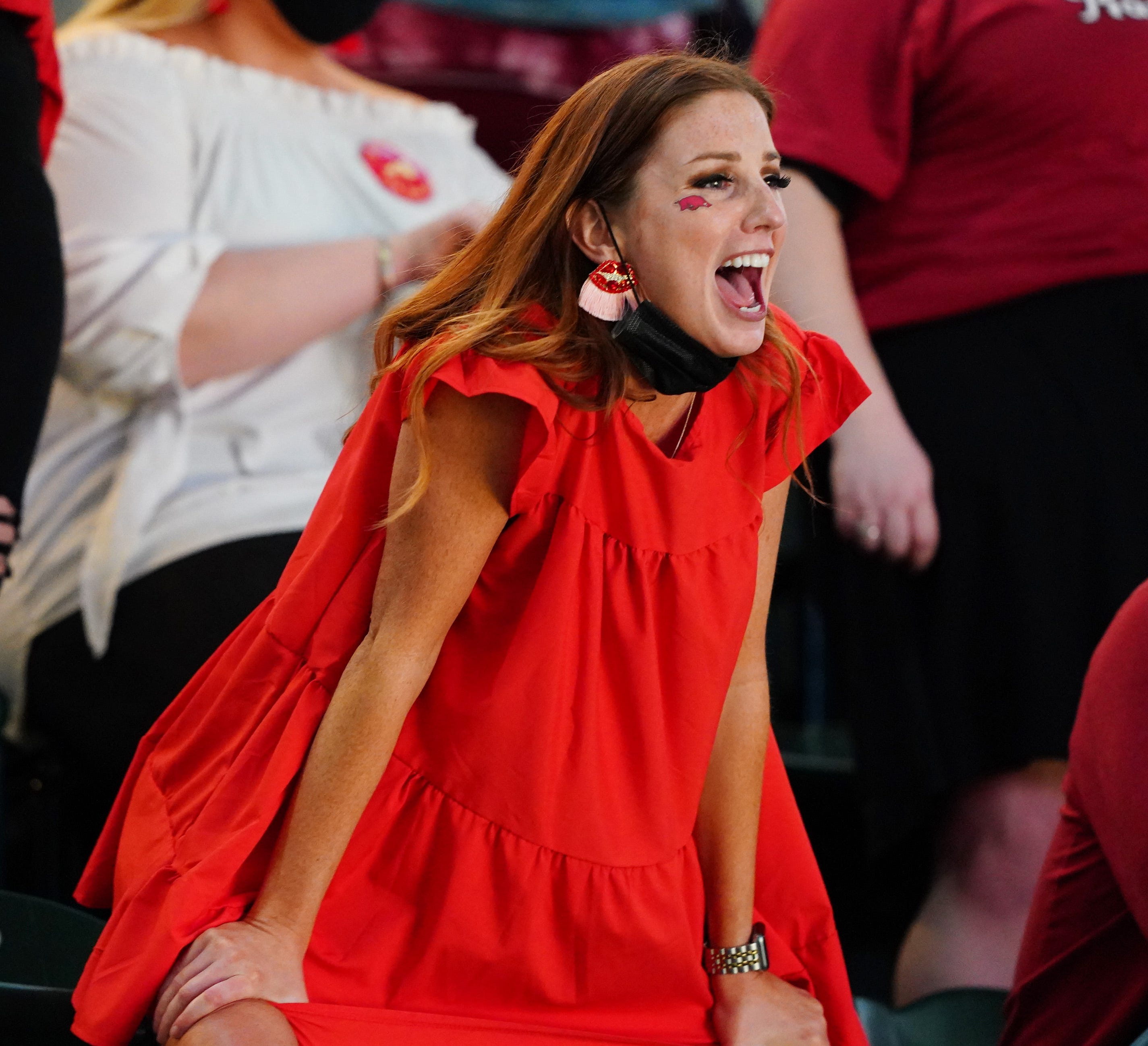 Arkansas fans savor the moment as Razorbacks reach Elite Eight for first time in 26 years