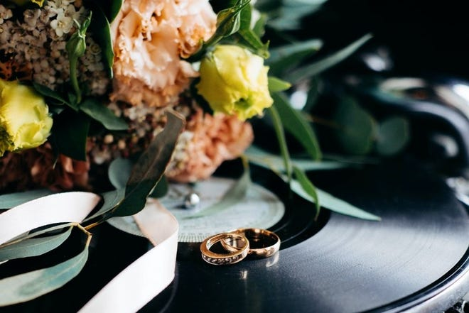 Columbus Weddings is accepting submissions from Central Ohio couples for the fall/winter 2021 issue.