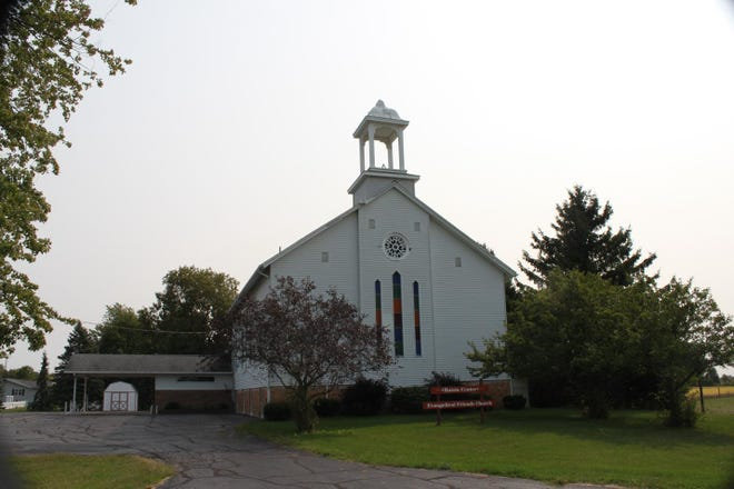 """Unlike most churches in Lenawee County, which were formed by groups of local inhabitants, the Raisin Center Church (as it is seen here today) was founded by a group of Quakers who had come from Niagara County, New York as a group. The first meeting of the church appears to have been held in the winter of 1831-32 in what has been described as a """"log shanty"""" located about a mile west of the current church building. The original congregation was composed of members of essentially three families — the Havilands, the Bowermans and the Westgates."""
