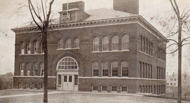 School Street School as seen in the 1920s.