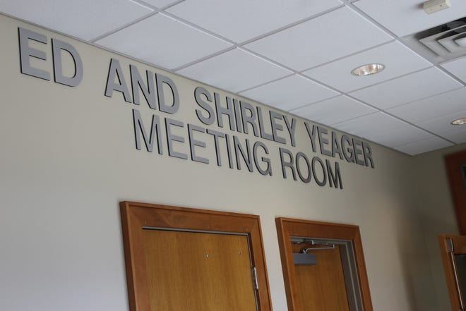 The Van Buren Public Library dedicated its meeting room to Ed and Shirly Yeager on March 28. The Yeagers donated the land that the library currently sits on in 2005.