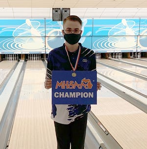 Ethan Lindsey of Burr Oak won the Division 4 state championship last Saturday.