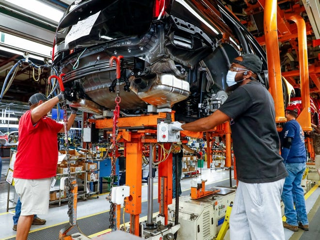 GM said on October 20, 2020 it will invest $2 billion in Spring Hill Manufacturing to build fully electric vehicles, including the new Cadillac Lyriq. Spring Hill's paint and body shops will undergo major expansions and the general assembly will receive upgrades.