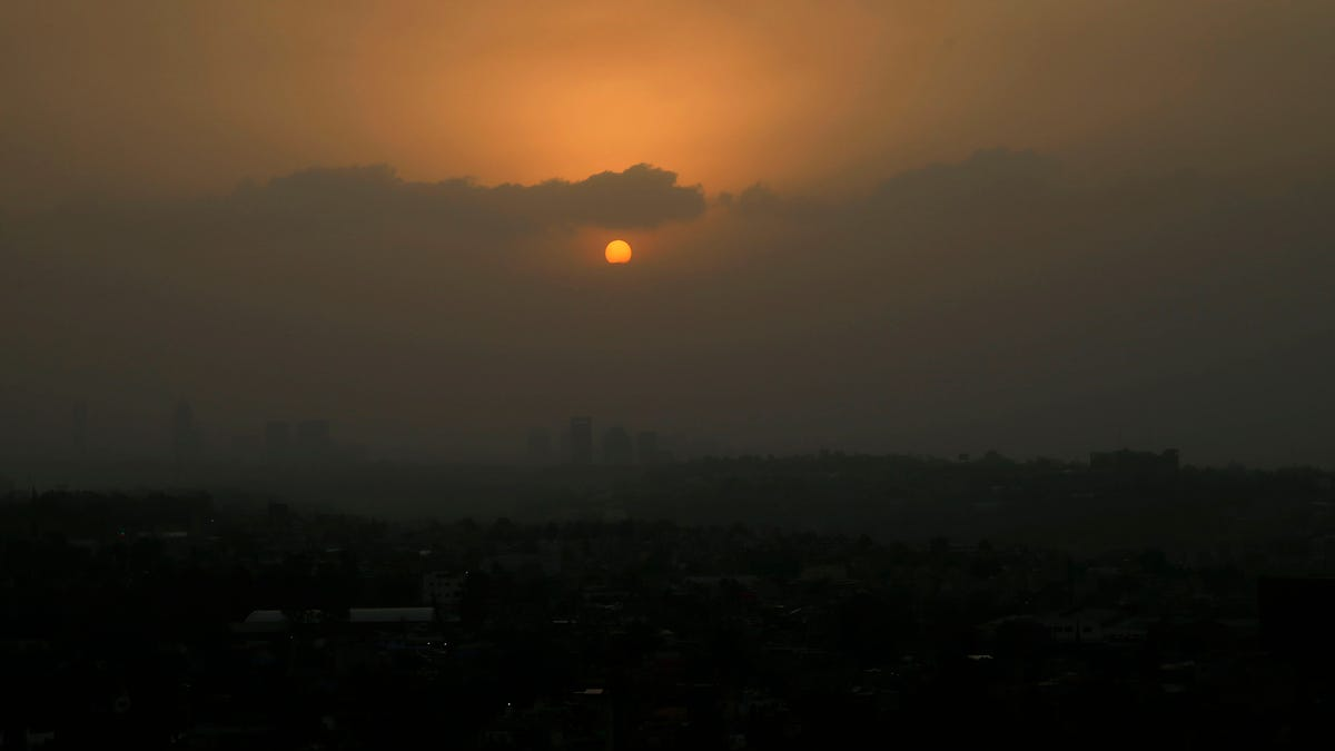 Mexico City air pollution spikes to 6 times acceptable limit 2