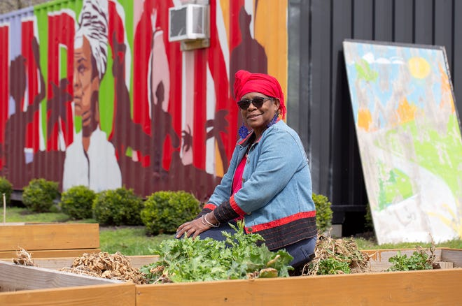 Julialynne Walker runs the Bronzeville Growers Market at the Maroon Arts Group's MPACC Box Park at the corner of North 17 Street and Mt. Vernon Avenue in the King-Lincoln District, as well as the virtual Bronzeville Agricademy and the Bronzeville Urban Growers program.