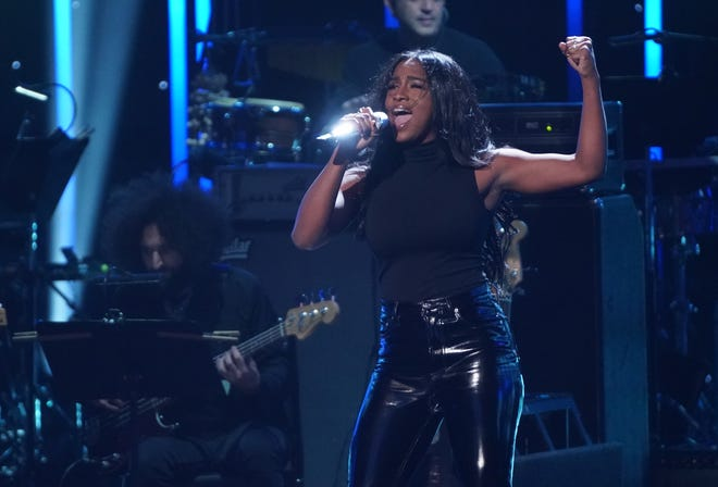 "Alana Sherman, 22, of Lakewood Ranch advanced to the Top 24 on Monday night's episode of ""American Idol."""