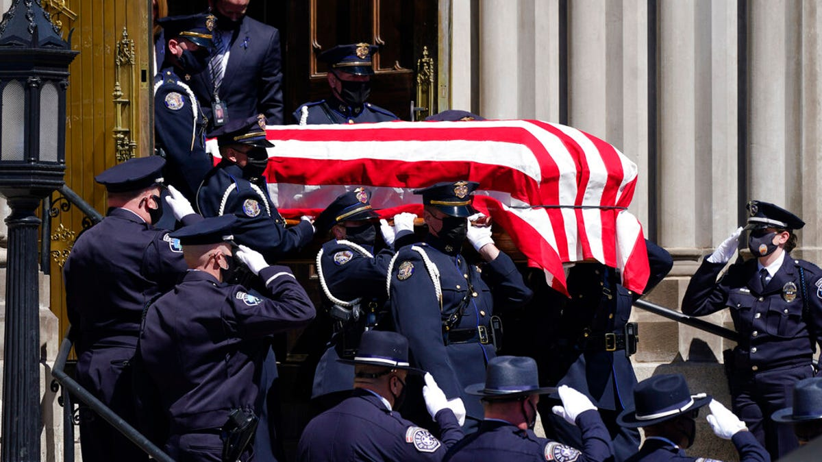 Service honors Colorado officer killed in mass shooting 3