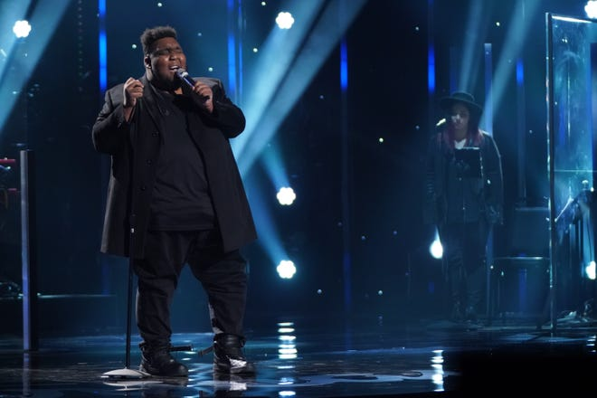 """""""American Idol"""" contestant Willie Spence came into the showstopper round with a powerful rendition of """"I Was Here"""" by Beyoncé."""