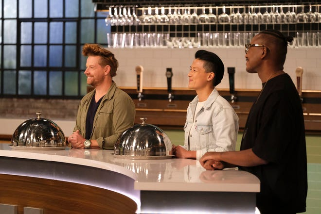 "Richard Blais is back! The guest judge is joined by other ""Top Chef"" alums Melissa King and Gregory Gourdet to join rotating challenges."