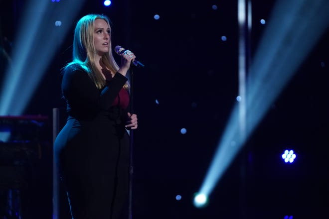 """""""American Idol"""" contestant Grace Kinstler continued toestablishherself asafrontrunner throughout Hollywood Weekbut admitted to Perry and Bryan that she second-guessed her song choicegoing into the showstopper round."""